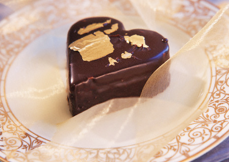 edible gold on chocolate heart
