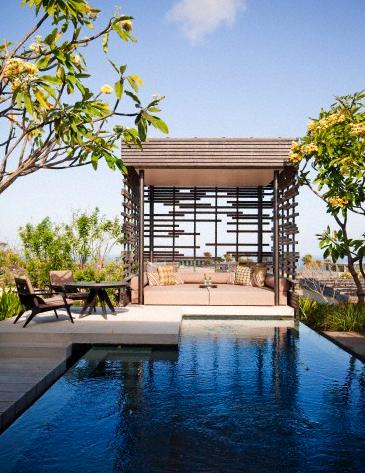 luxury outdoor sitting area