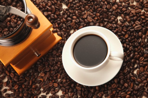 coffee grinds The Art of Coffee - Back to the Grind EAT LOVE SAVOR International luxury lifestyle magazine and bookazines