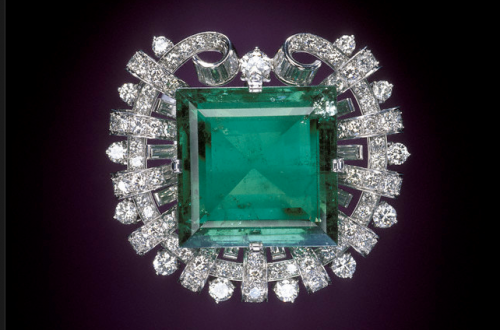 hooker emerald brooche Discover: Emeralds: a Rare and Luxurious Gem EAT LOVE SAVOR International luxury lifestyle magazine and bookazines