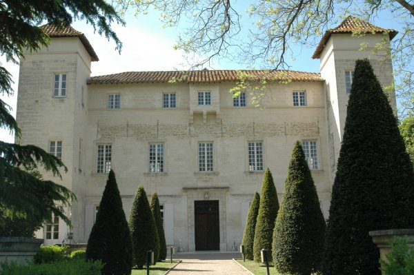 Ref774vm Insiders Tours of French Castles - EAT LOVE SAVOR International luxury lifestyle magazine and bookazines