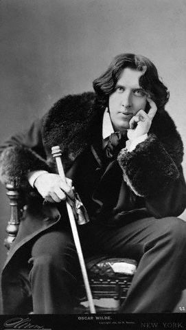 ELS Discover Oscar Wilde img Discover: Oscar Wilde, the Iconic Writer, Extravagant Man - EAT LOVE SAVOR International luxury lifestyle magazine and bookazines