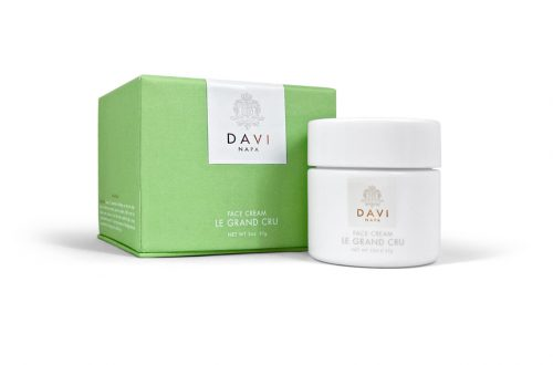 DS WOMEN BOX 2 Daviskin: From Great Grapes Comes Great Skincare EAT LOVE SAVOR International luxury lifestyle magazine and bookazines