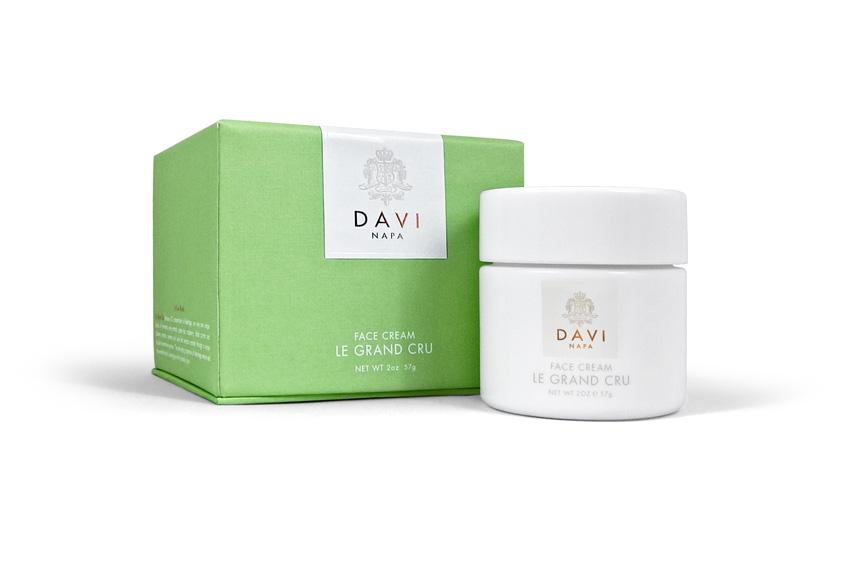 DS WOMEN BOX 2 Daviskin: From Great Grapes Comes Great Skincare - EAT LOVE SAVOR International luxury lifestyle magazine and bookazines