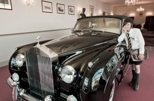 rolls royce goodwood revival Luxury Car News: Rolls-Royce Celebrates Record Goodwood Revival - EAT LOVE SAVOR International luxury lifestyle magazine and bookazines