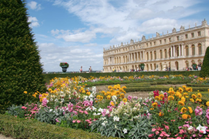 The Palace Versailles from the South parterre Discover: Château Versailles: Versailles and Antiquities - EAT LOVE SAVOR International luxury lifestyle magazine and bookazines