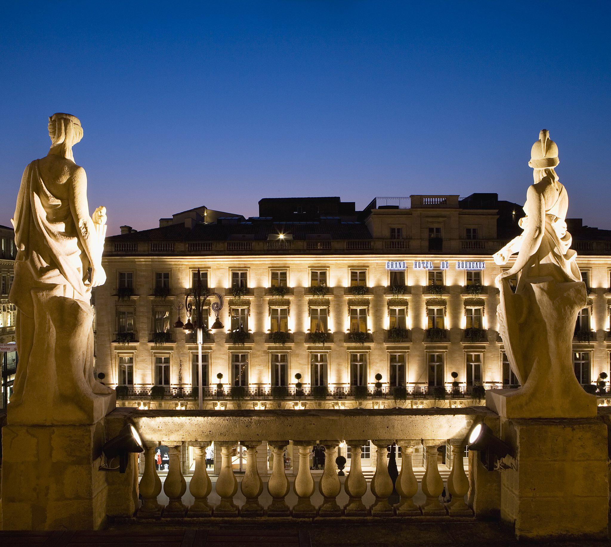 Facade de nuit 4 DISCOVER: History, Elegance and Gastronomy: The Grand Hôtel de Bordeaux & Spa - EAT LOVE SAVOR International luxury lifestyle magazine and bookazines