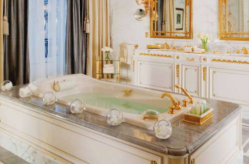 FSPARIS BATHROOM Discover: The Art of Taking a Bath EAT LOVE SAVOR International luxury lifestyle magazine and bookazines