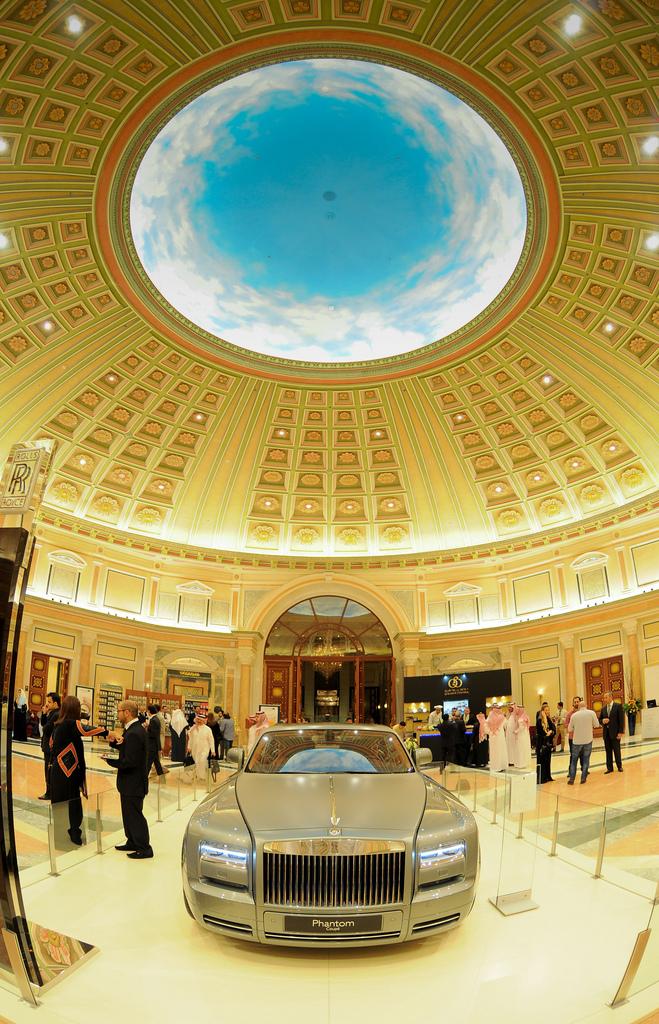 World Luxury Expo Series, Middle East - EAT LOVE SAVOR International luxury lifestyle magazine and bookazines