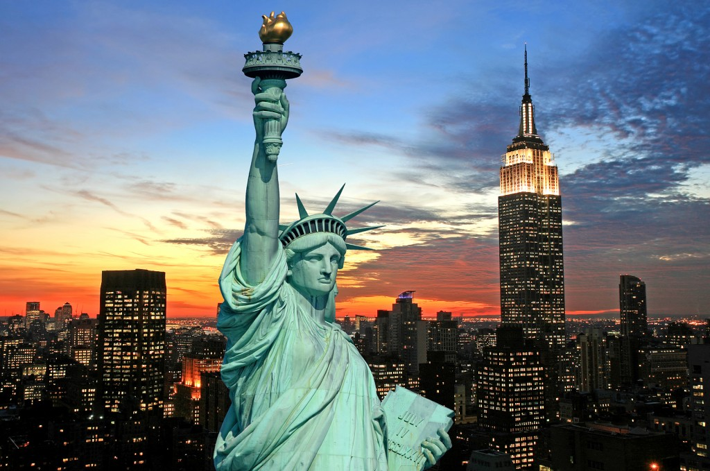 The_Statue_Of_Liberty_And_New__2493448