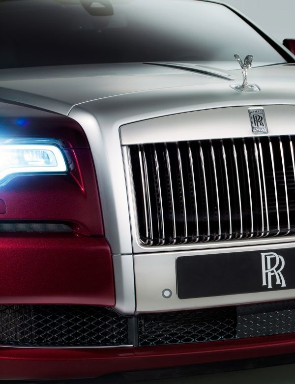 ghost series II RR grill Introducing Rolls-Royce Motor Cars Ghost Series II, Showcased at New York International Auto Show - EAT LOVE SAVOR International luxury lifestyle magazine and bookazines