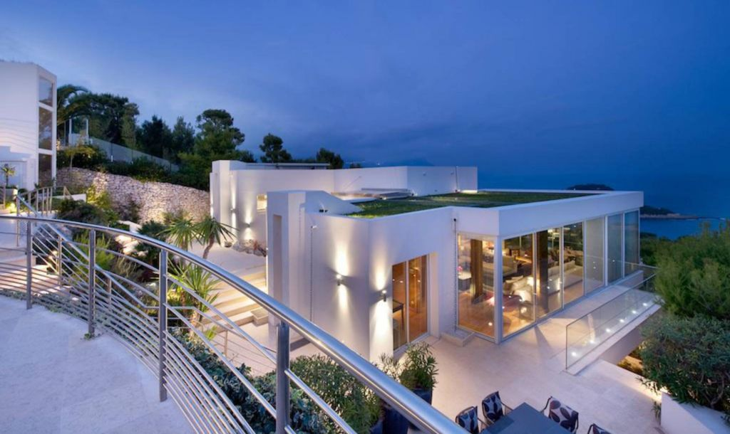 luxury villa modern