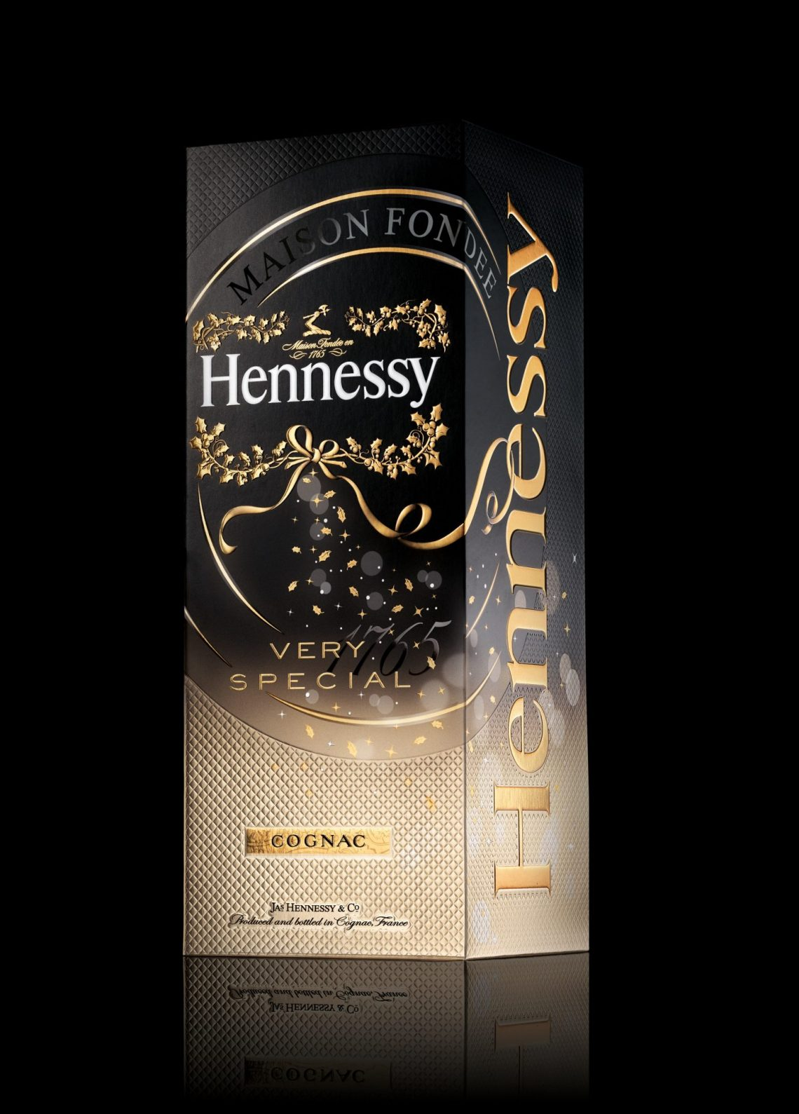 GIFT BOX FD NOIR RVB Hennessy Very Special Gift Packs Created by ButterflyCannon - EAT LOVE SAVOR International luxury lifestyle magazine and bookazines
