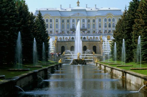 fountains grand cascade russia Discover Worldly Opulence and Hidden Gems of Luxurious Russia with our Editor at Large - EAT LOVE SAVOR International luxury lifestyle magazine and bookazines