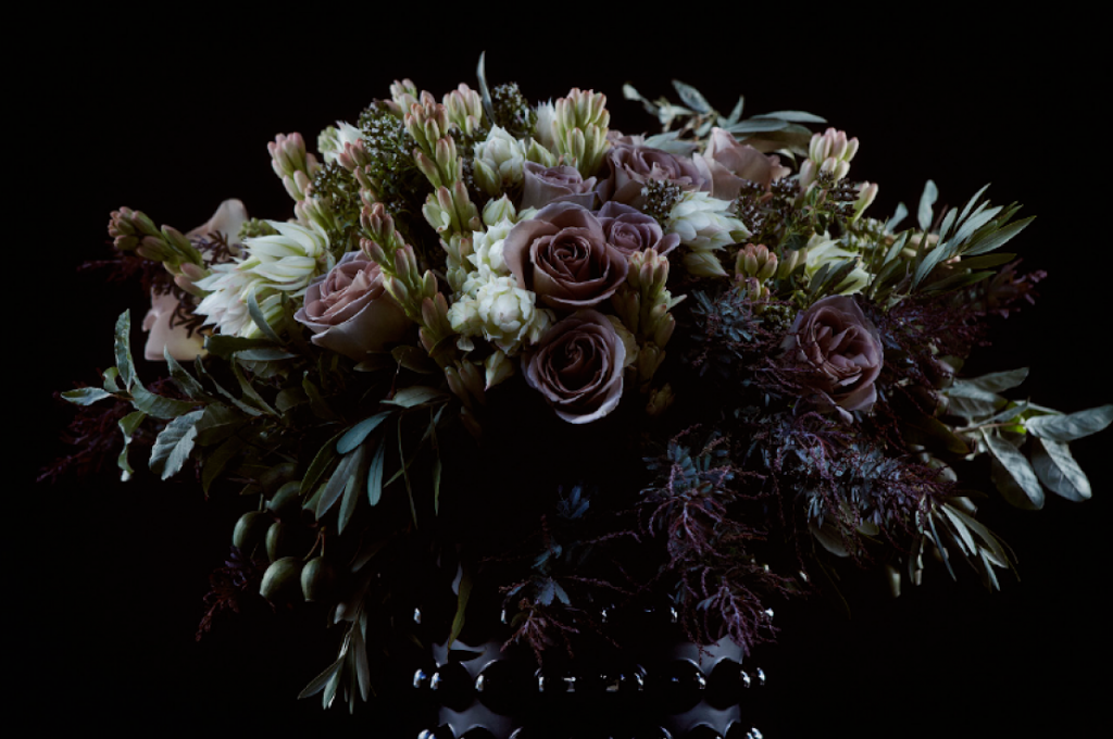 Olivier Giugni flower arrangement black