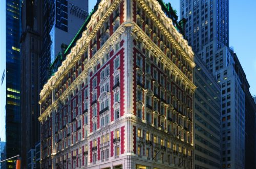 knickerbocker hotel exterior Discover: The Legendary Knickerbocker Hotel, New York City EAT LOVE SAVOR International luxury lifestyle magazine and bookazines