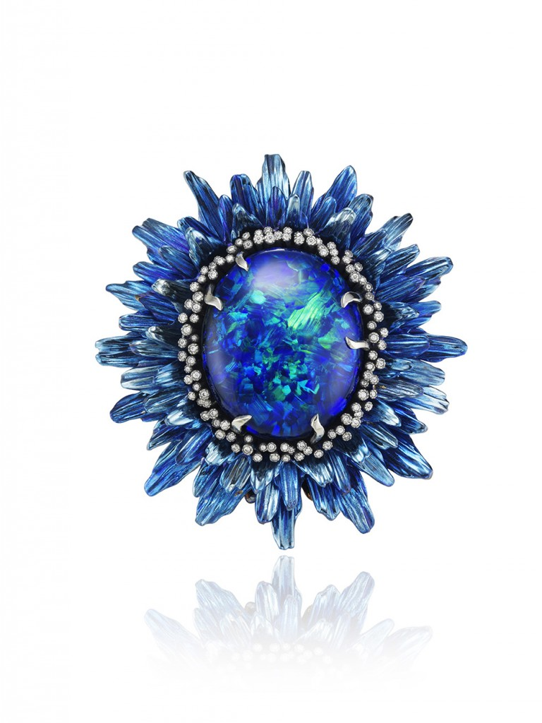 Chopard Fleurs d'Opales ring. White gold 18k and titanium with tsavorites, sapphires, brown and white diamonds, lazulites and a black opal of 20 cts.