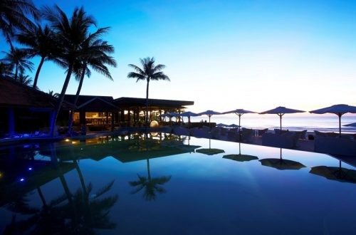 Hi AMUI 43699910 Pool Deck at night Escape: Anantara Mui Ne Resort Unveils Luxurious 'Dine On The Beach' Experience - EAT LOVE SAVOR International luxury lifestyle magazine and bookazines