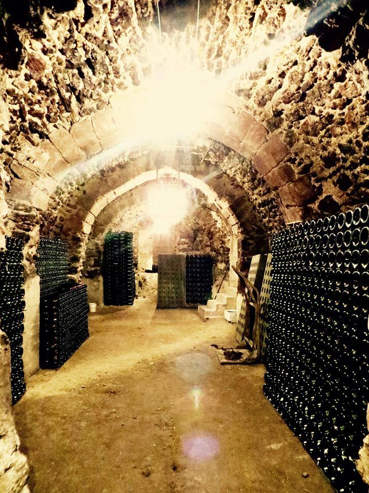 champagne de watere private cave