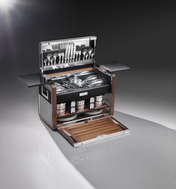phantom zenith collection picnic hamper open - eat love savor - luxury lifestyle magazine