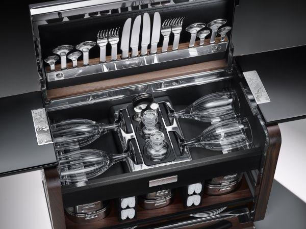 phantom zenith collection picnic hamper open 2 - eat love savor - luxury lifestyle magazine