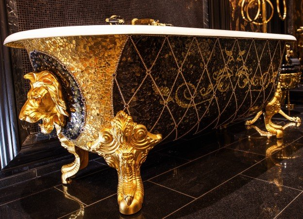 grace-oflondon-gold-tub-with-lion