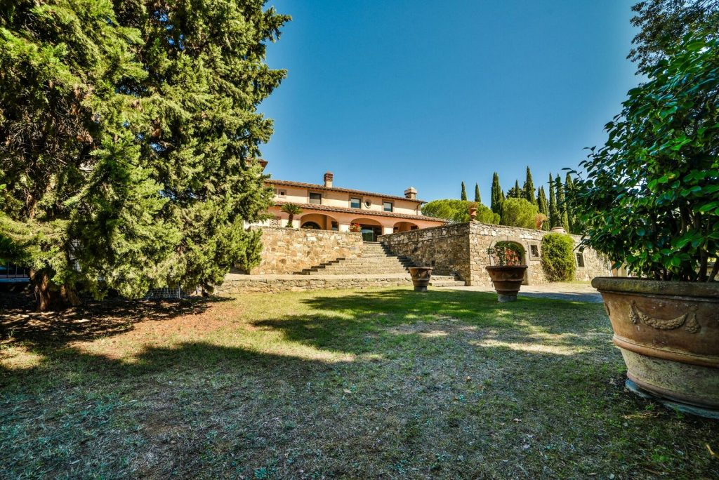 panoramic-farmhouse-florence - eat love savor luxury lifestyle magazine
