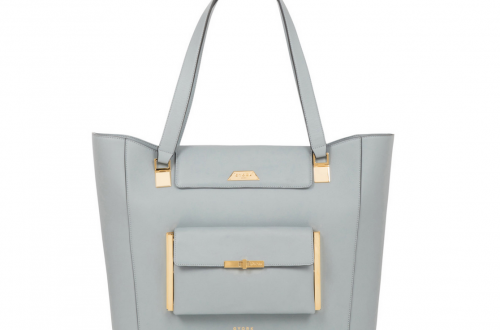 GYORK Kensington demi tote in calf leather Discover GYORK London, Luxury Handbags for Modern Women on the Move EAT LOVE SAVOR International luxury lifestyle magazine and bookazines