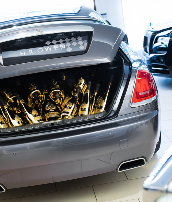 rolls royce champagne - eat love savor luxury lifestyle magazine