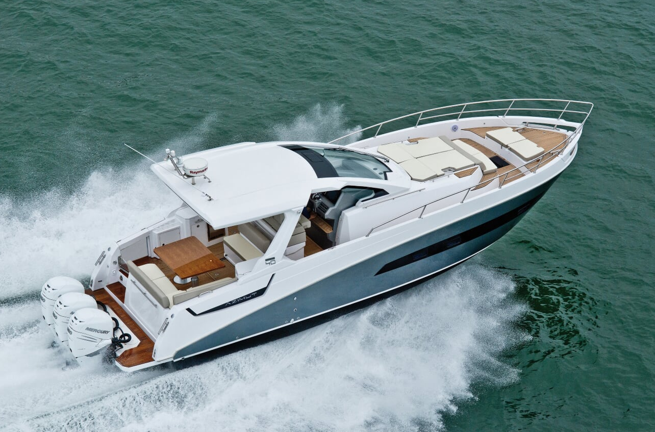 Azimut Verve 40 - eat love savor luxury lifestyle magazine