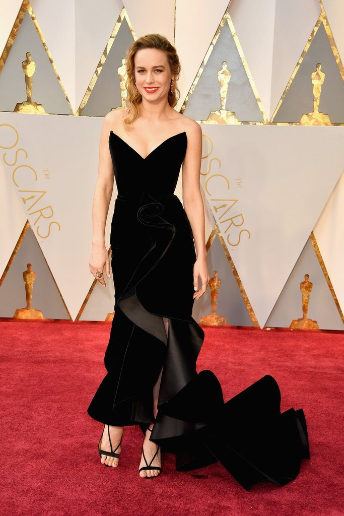 Brie Larson oscar de la renta oscars Best Dressed at the Oscars - EAT LOVE SAVOR International luxury lifestyle magazine and bookazines