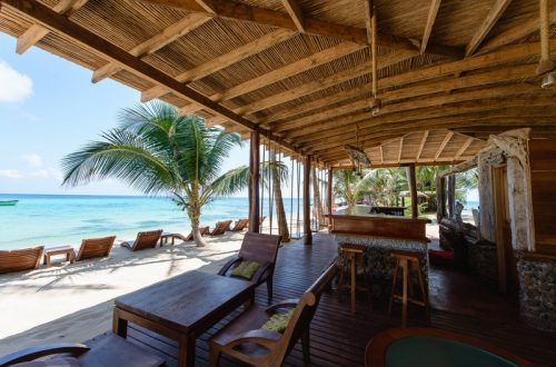 yemaya island hotel beach bar Unique Seafront Escapes : Great Luxury Travel Destinations for 2017 - EAT LOVE SAVOR International luxury lifestyle magazine and bookazines