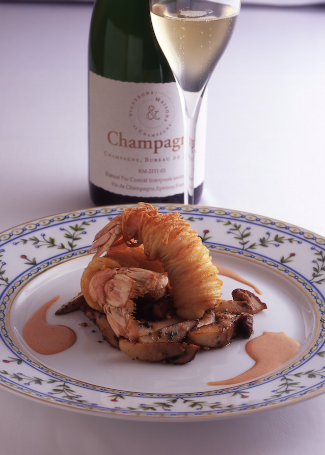 champagne and food Must-Try Champagnes, Delicious Pairings and Beautiful Flutes - EAT LOVE SAVOR International luxury lifestyle magazine and bookazines