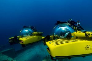 Triton 33003 Mk II submersibles wreck diving off Lyford Cay Bahamas May 2017 1 © Nick Verola All bow for the SuperYacht Gallery at Saatchi London - EAT LOVE SAVOR International luxury lifestyle magazine and bookazines