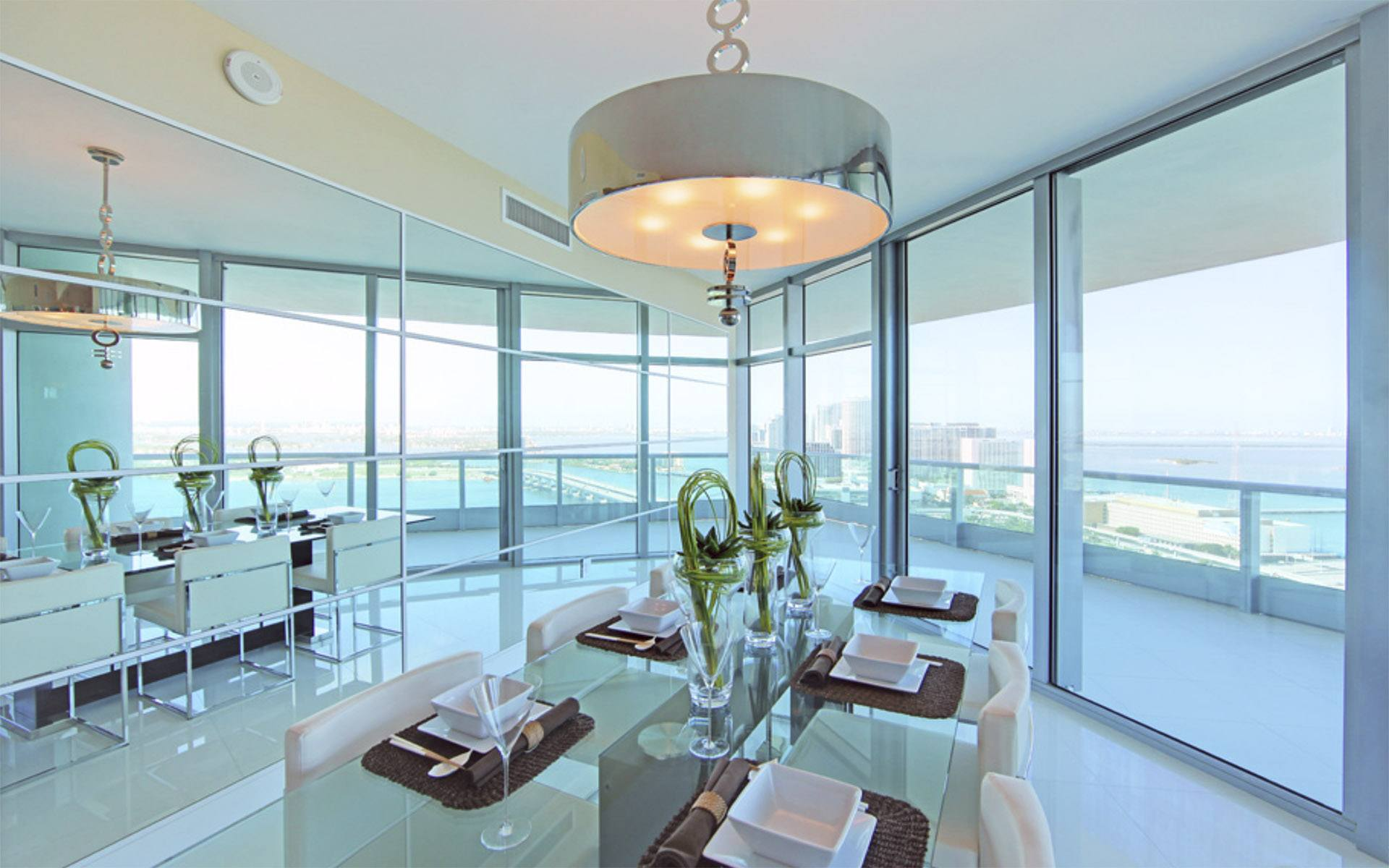 biscayne dining room Luxury Living in Florida: 5 Property Listings for Luxe Beach Lifestyle EAT LOVE SAVOR International luxury lifestyle magazine and bookazines