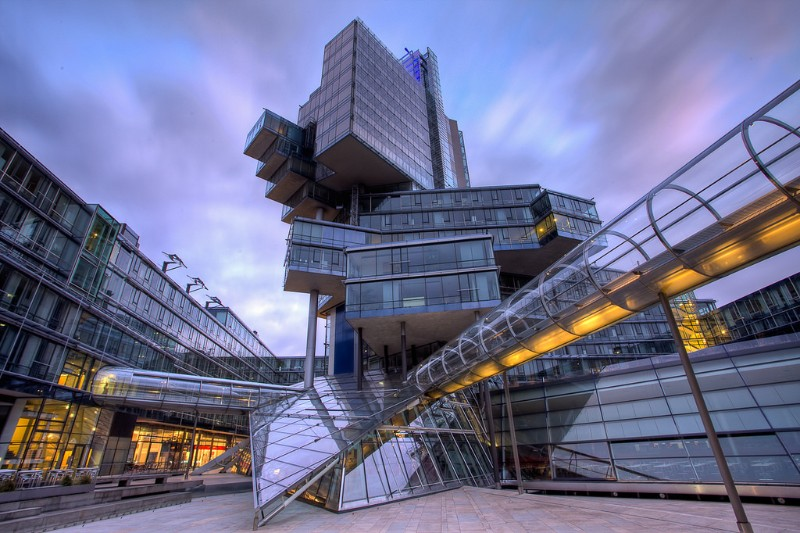 Modern Architecture: Impressive Buildings That Challenge Gravity ...