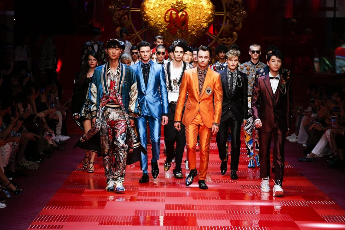 dolce gabbana luxury fashion show experiential millennials luxe digital Luxury Brands Build Marketing Hype For Their Millennial Consumers - EAT LOVE SAVOR International luxury lifestyle magazine and bookazines
