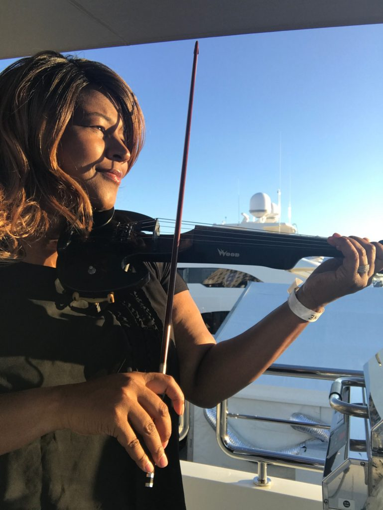 INTERVIEW | A Moment With… Nikki Glenn, Superyacht Performer and Vocalist
