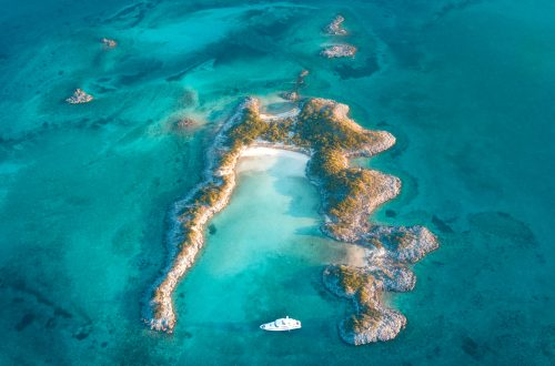 Caribbean yacht charter - Bahamas overview