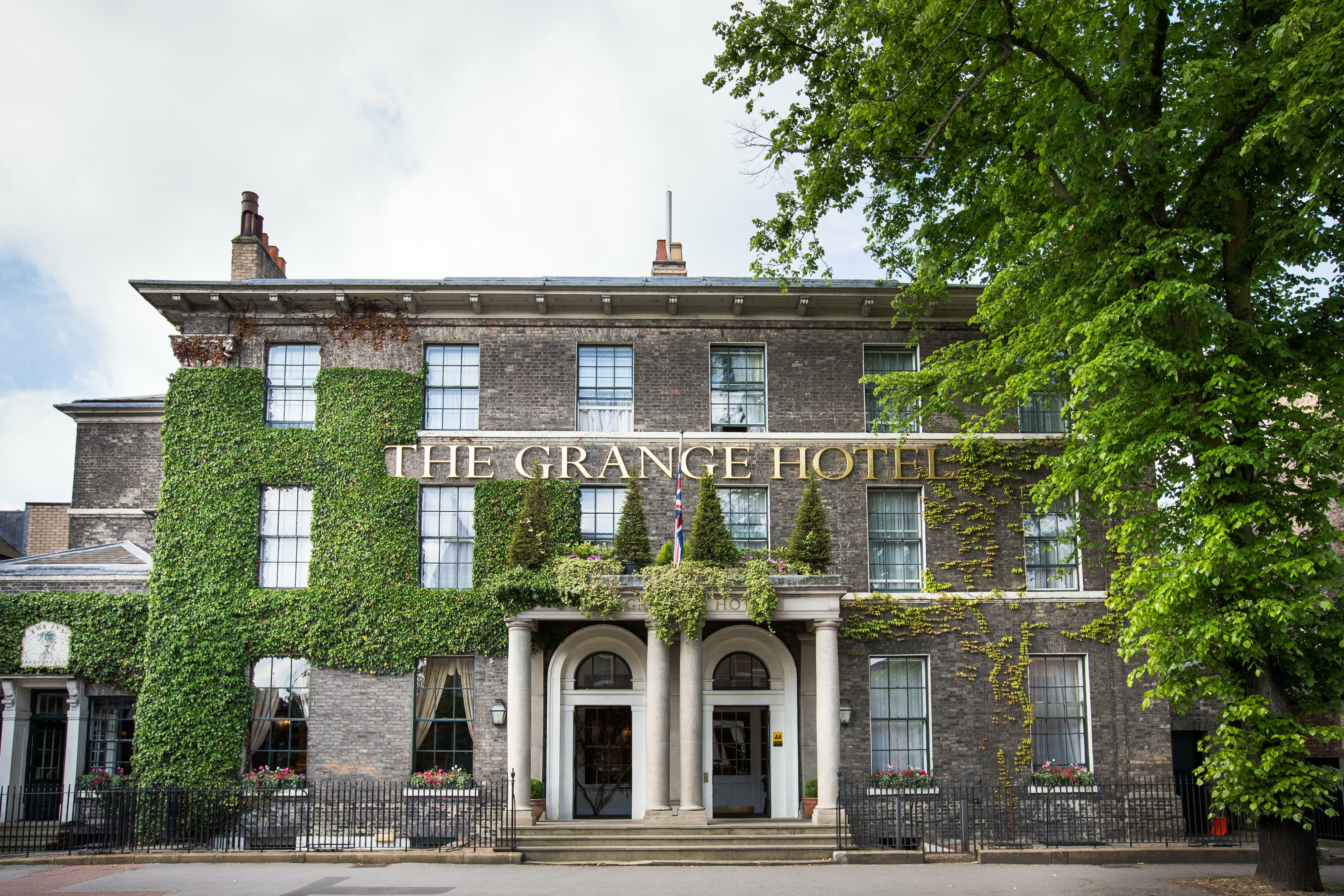 Escape to The Grange Hotel for an Intimate Country House Setting in York EAT LOVE SAVOR International luxury lifestyle magazine and bookazines