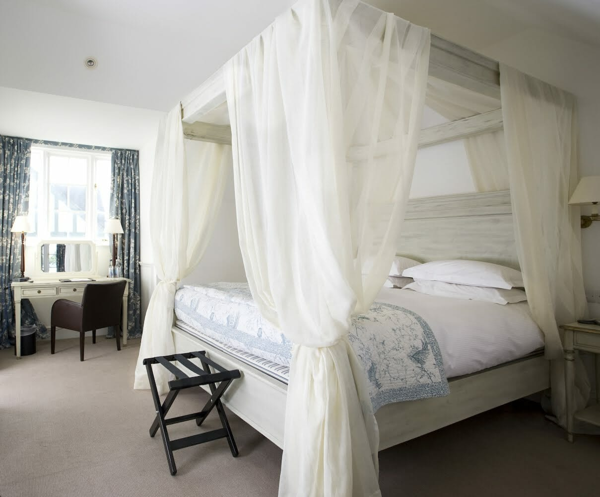 Four Poster 2 Escape to The Grange Hotel for an Intimate Country House Setting in York EAT LOVE SAVOR International luxury lifestyle magazine and bookazines