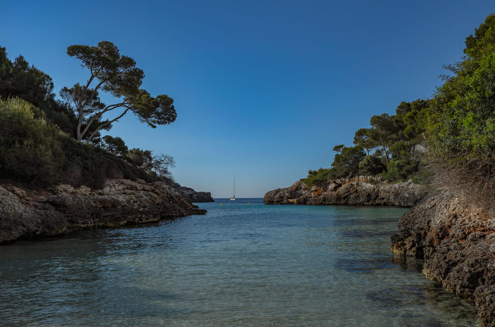 Things to do in Spain Bliss out in the Bay of Gold Five Of The Best Things To Do In Spain This Autumn 2019 - EAT LOVE SAVOR International luxury lifestyle magazine and bookazines