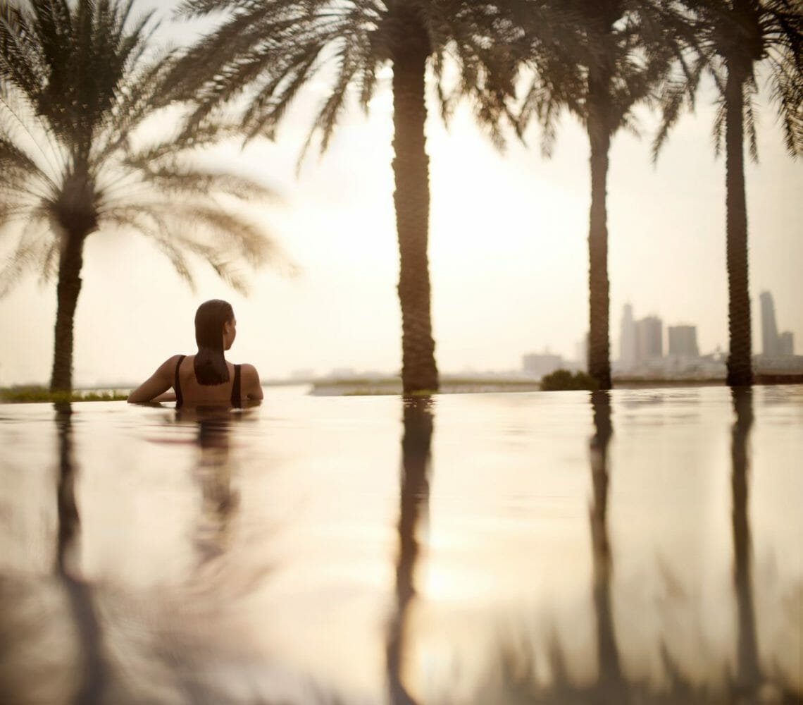 bahrain hotel infinity pool 50481431 Infinity pool 2 Luxury Learning Escapes with a Difference - EAT LOVE SAVOR International luxury lifestyle magazine and bookazines