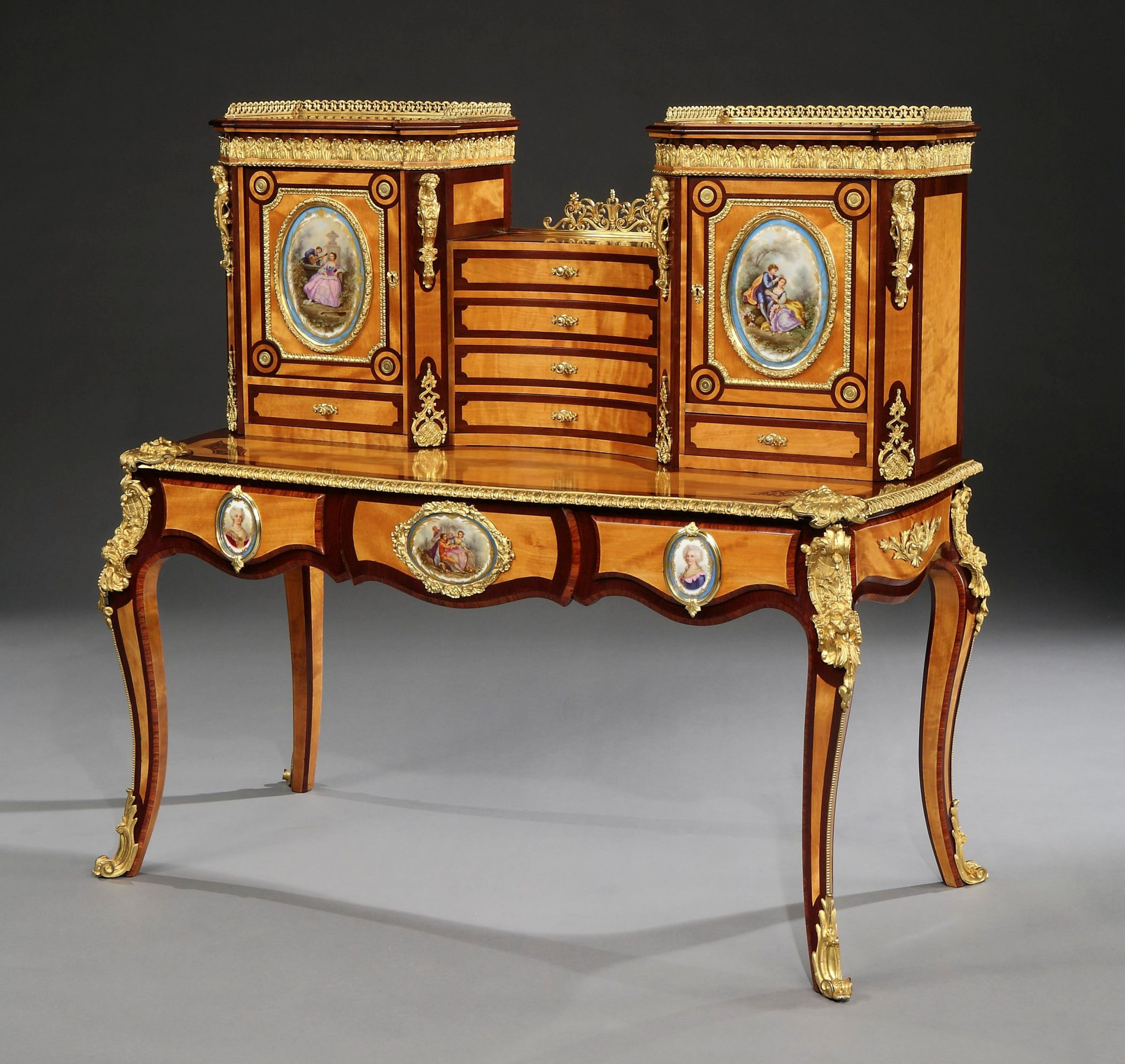 Discover Royal English Furniture Makers: Holland U0026 Sons