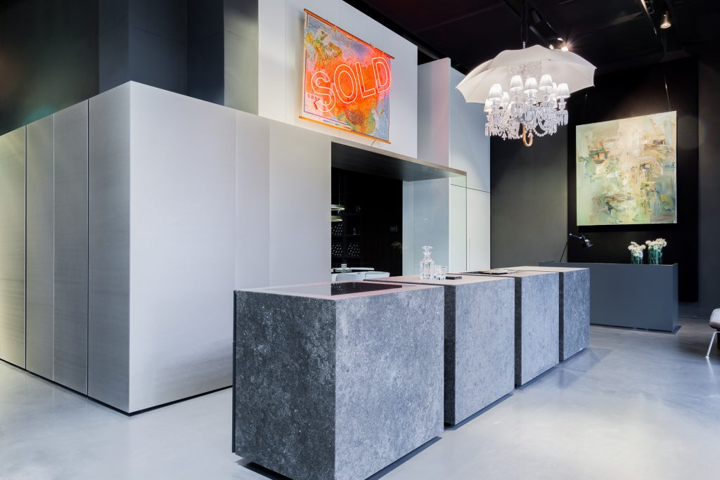 Art x Interior post production VELVENOIR Velvenoir + Steininger = ART x INTERIOR : breaking boundaries between contemporary art and interior design EAT LOVE SAVOR International luxury lifestyle magazine and bookazines