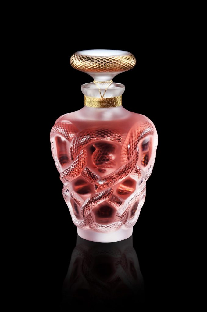B21116 2018 Limited Edition Seduction with background and reflet 300 dpi Discover LALIQUE's 2018 Séduction Limited Edition Crystal Perfume Bottle EAT LOVE SAVOR International luxury lifestyle magazine and bookazines