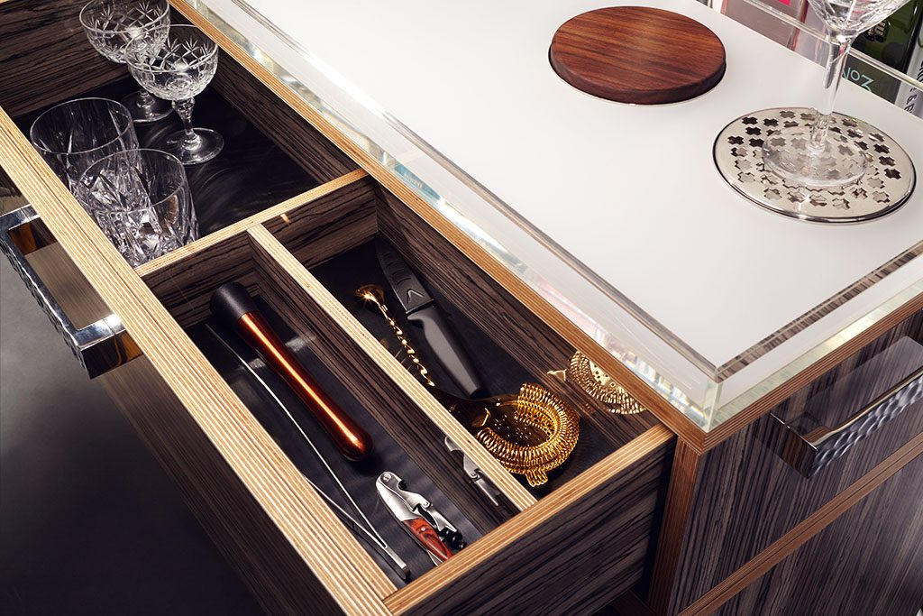 GIN TROLLEY DRAWER Discover the Gin Trolley by QUENCH - EAT LOVE SAVOR International luxury lifestyle magazine and bookazines