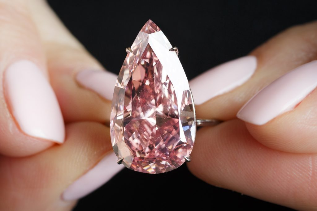 Unique Pink Sothebys Digging Through Data on Diamonds as an Investment - EAT LOVE SAVOR International luxury lifestyle magazine and bookazines